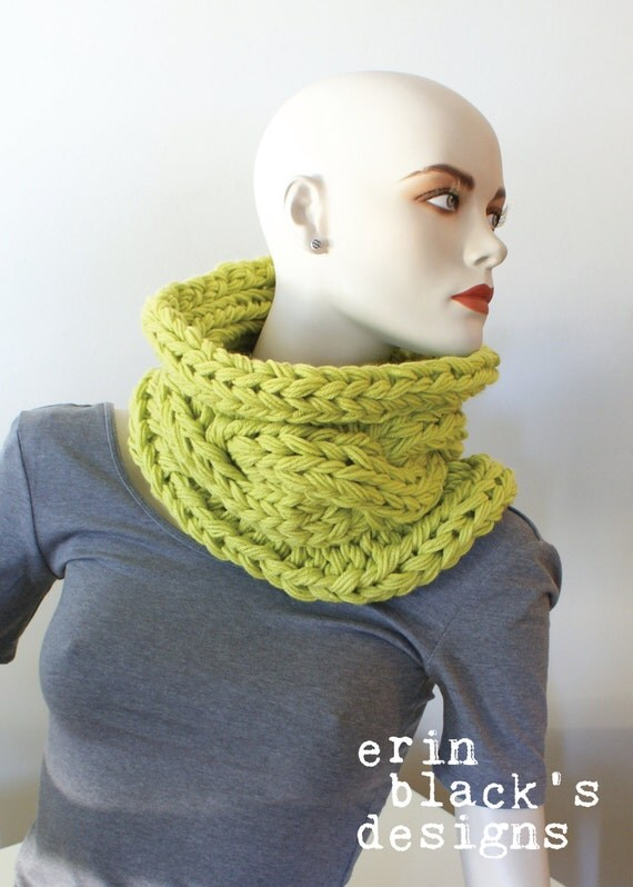 Free Knitting Pattern Twisted Cowl : DIY Knitting PATTERN Chunky Knit Twisted Cable Cowl