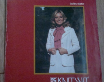 Ladies Blazer  Vintage Sewing pattern KnitWit 3000