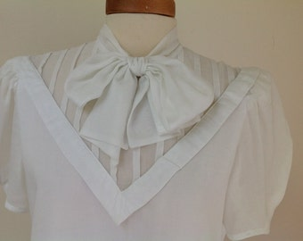 Albert Nipon White Cotton Bow Blouse
