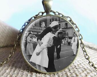 Famous Kiss Jewelry, Fine Art Necklace Jewelry, Kiss Photo Jewelry Glass Pendant Gift