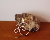 Sailing boat bookmark, brass spiral bookmark with a sailboat ornamental charm, hanmade unique boomark