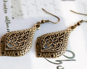 Vintage Style Antique Bronze Engraved Tear Drop Dangle Earrings, Ladies Fashion