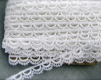 "3/8"" Wide Off White Venise Cottage Scalloped Lace Trim"