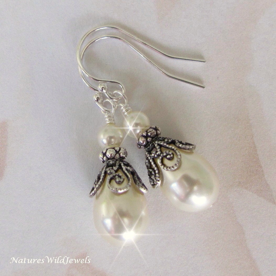 vintage style pearl drop earrings vintage inspired pearl