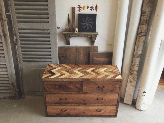Handcrafted Reclaimed Barn Pallet Wood Dresser Rustic Nightstand Table Chevron - - Arrowhead