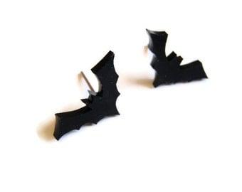 Bat earrings - Black halloween studs