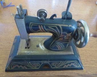 Casige Child's Sewing Machine