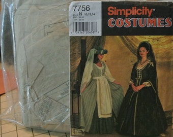 Simplicity Pattern Lady in Waiting Dress Halloween Renaissance