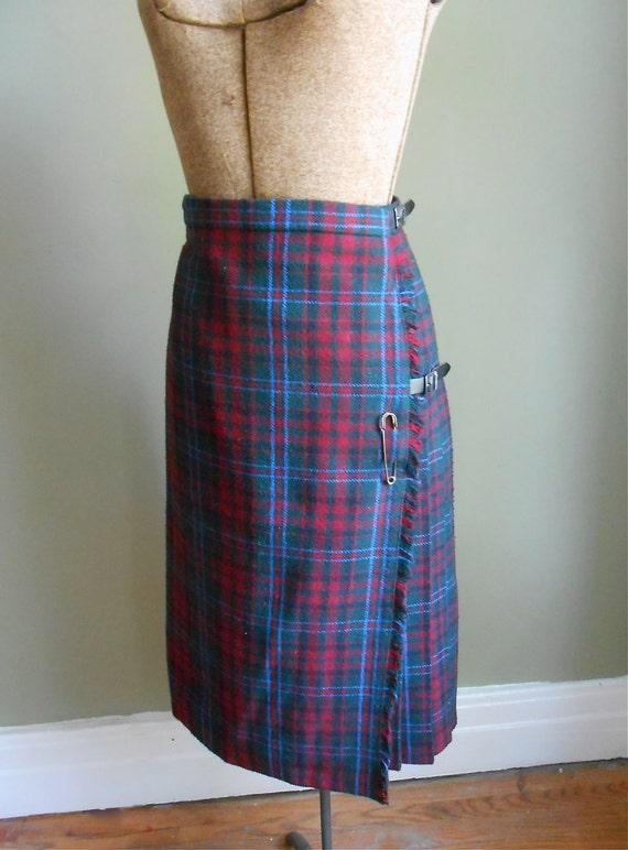 1960s kilt skirt wool plaid calgary tartan vintage s