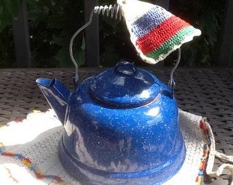Vintage Blue Enamelware Teapot/Graniteware Teapot
