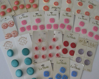 25 Cards - Vintage Buttons in Pink, Purple, Blue and Red - 1970s