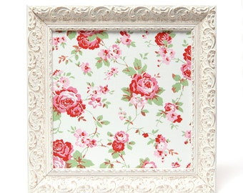 Magnetic board wall decor with vintage rose flower pattern