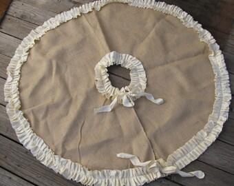 Burlap Tree Skirt with Cream or Red Ruffle Trim Lined christmas skirt Ruffle christmas skirt