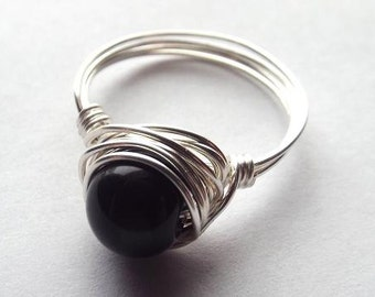 Silver Black Onyx Ring // Black Stone Ring // Wire Wrapped Jewelry Handmade // Gift for Her // Base Chakra Jewelry // Gothic Ring // Wire