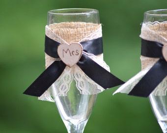 shabby chic wedding glasses, bride and groom champagne flutes, bride and groom wine glasses, rustic wedding flutes, Mr Mrs