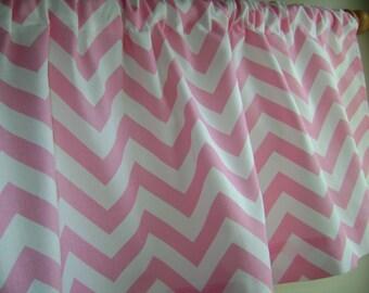 Baby Pink Zig Zag Valance, Nursery Baby Pink/White Valance, Girls Valance