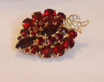 Beautiful Vintage Red and White Eisenburg Ice Brooch