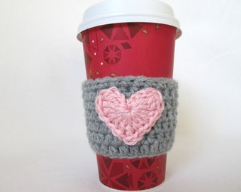 Grey crochet cup cozy with pink heart