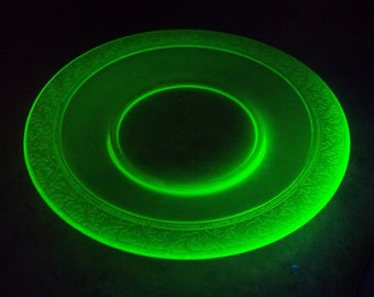 Decorative Vaseline Glass Plate Glows Under Black /UV Lite