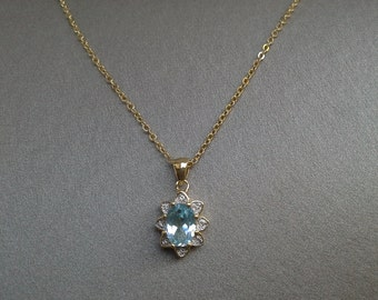 Blue Topaz Gemstone Faceted and Prong Set on a Buttery Yellow Gold Chain: Vintage Necklace