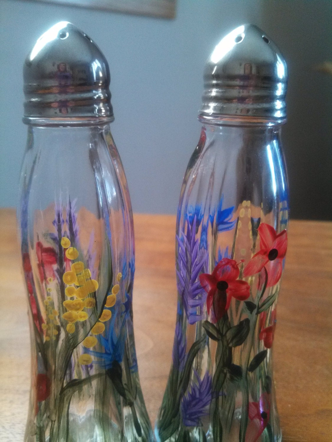 Colorful hand painted salt and pepper shakers painted with my Colorful salt and pepper shakers