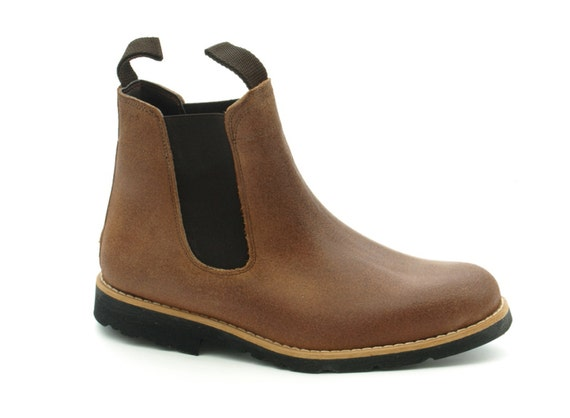 leather boots recycled tyre soles portugal by