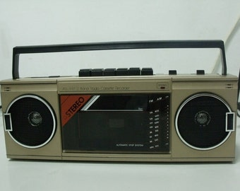 new VINTAGE 80s retro Radio cassette recorder BOOM BOX