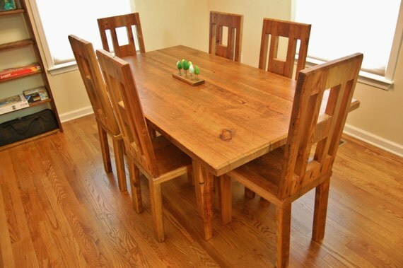 Farmhouse Dining Table With Tapered Legs And Removable Top