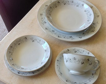69-piece Moon Mist Fine China Set Made in Japan