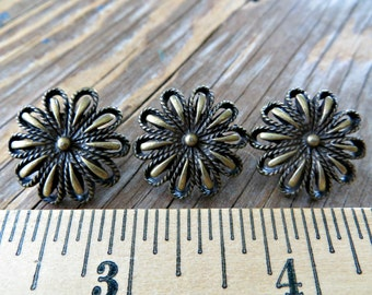 Antiqued Brass Beautiful Wildflower Buttons
