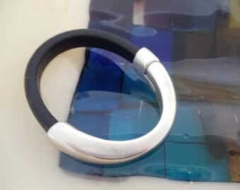 Regaliz  Leather Cuff  Bracelet RM4
