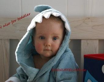 hooded towel shark blue, READY to SHIP, shark in blue, bathtime, summer vacation, beach towel
