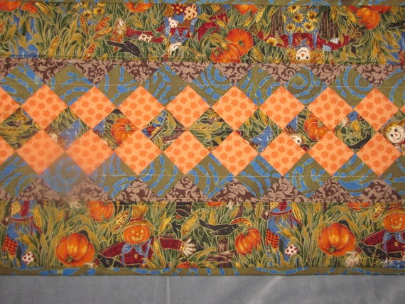 Quilted Thanksgiving table runner by MTQuiltedTreasures on Etsy