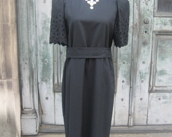 FREE SHIPPING on this Vintage 1980s Black Cotton Eyelet Sleeve Dress (Large)