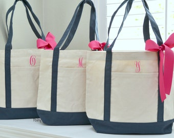 Set of 5 Personalized Wedding Bridesmaids Tote Gifts in Navy
