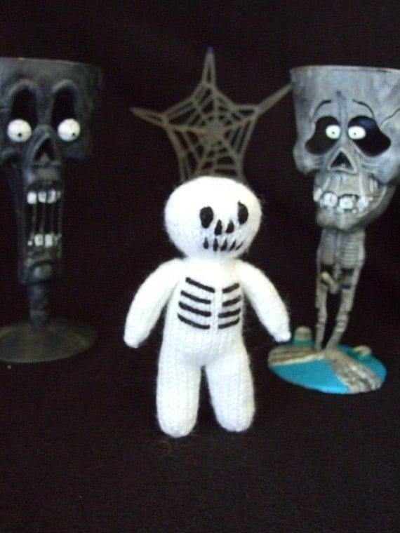 knittted skeleton