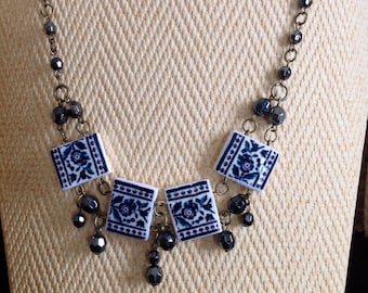 Set of necklace and earrings with replica of antique Portuguese tile.