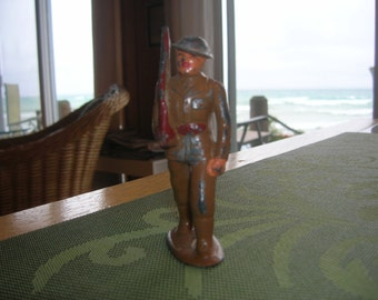 1940s BARCLAY MARCHING Toy Soldier B126  Hollow cast metal Dimestore