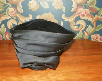 Vintage Antique Gerchi Toque Hat made of Black Velvet with Satin Trim
