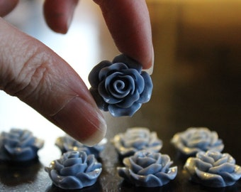 8 resin cabochons roses, 18-20 mm x 9 mm, 4 pairs slate blue roses, flat back