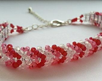 Netted beadwork bracelet
