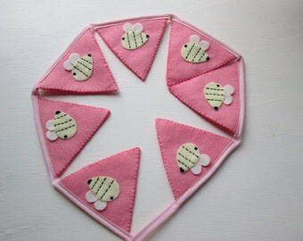 Gorgeous Hand sewn Felt Appliqued Bee Bunting x