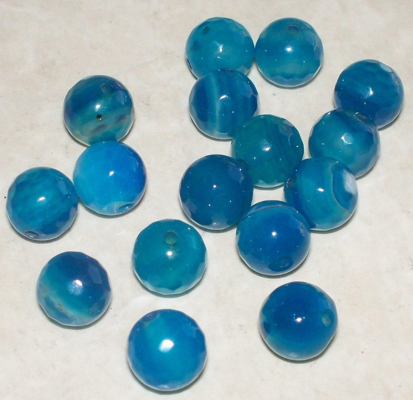 20 blue agate faceted gemstones 8mm