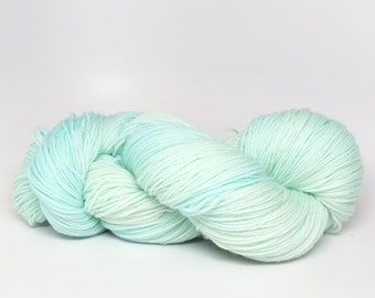 Glacier - Stunning Superwash Fingering Weight - 100% Superwash Merino - 100 g - 475 yds