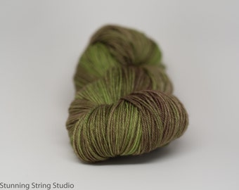 Edge of the Forest INTENSE - Luxury Fingering Weight - Merino/Cashmere - 100 g - 425 yds