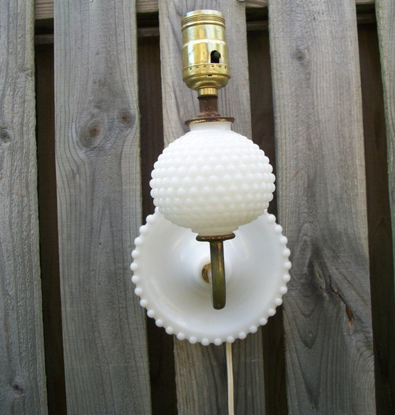 Milk Glass Wall Lamps : Vintage White Hobnail Milk Glass Lamp Light Wall Sconce Brass