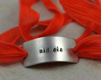 Sister Jewelry / Sister Gift / Sister Present / Middle Sister Gift / Middle Sister Present / Sister Birthday / mid sis Bracelet / Silk Wrap