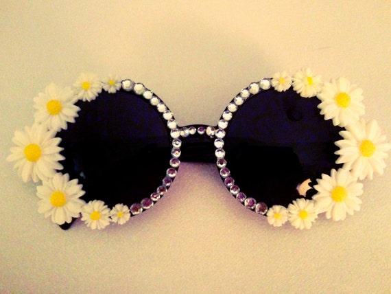 Daisy Retro Round Shaped Sunglasses
