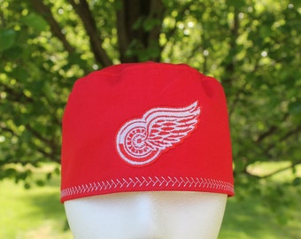 Mens scrub hat/ Red Wings