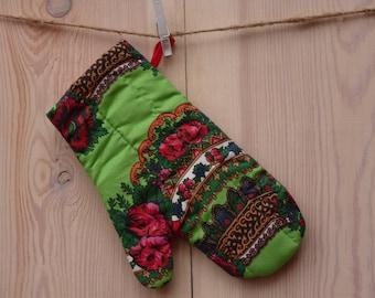 Oven Mitt, Ukrainian/Russian scarf floral ornaments,  Floral oven mitt, Potholder, Green kitchen mitt, Floral pattern